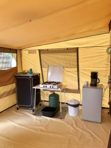 Coin-Cuisine-Tente Camping-des-Papillons