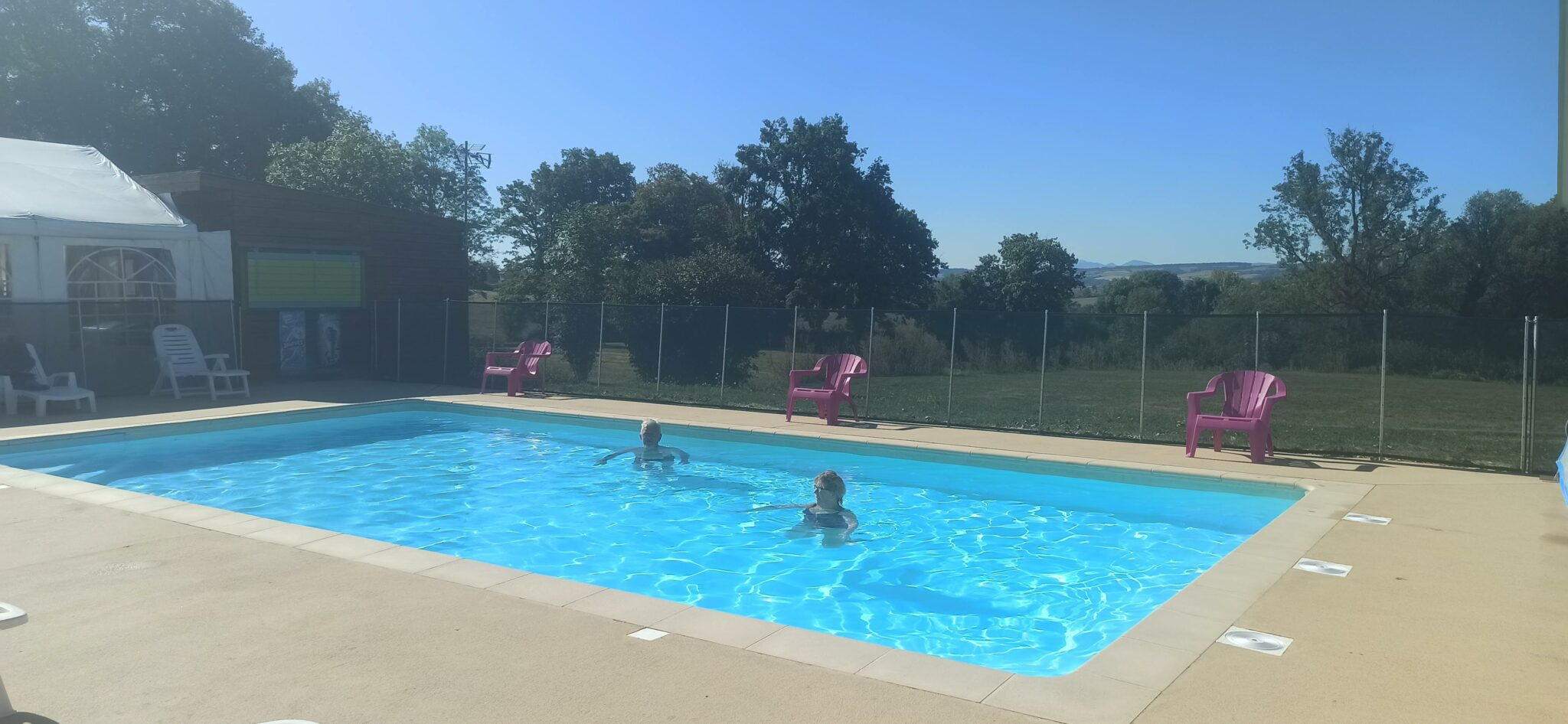 Piscine-Camping-des-Papillons-Allier