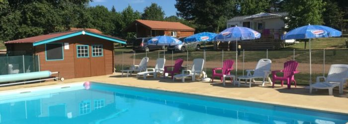 Piscine-Camping-des-Papillons-Lalizolle